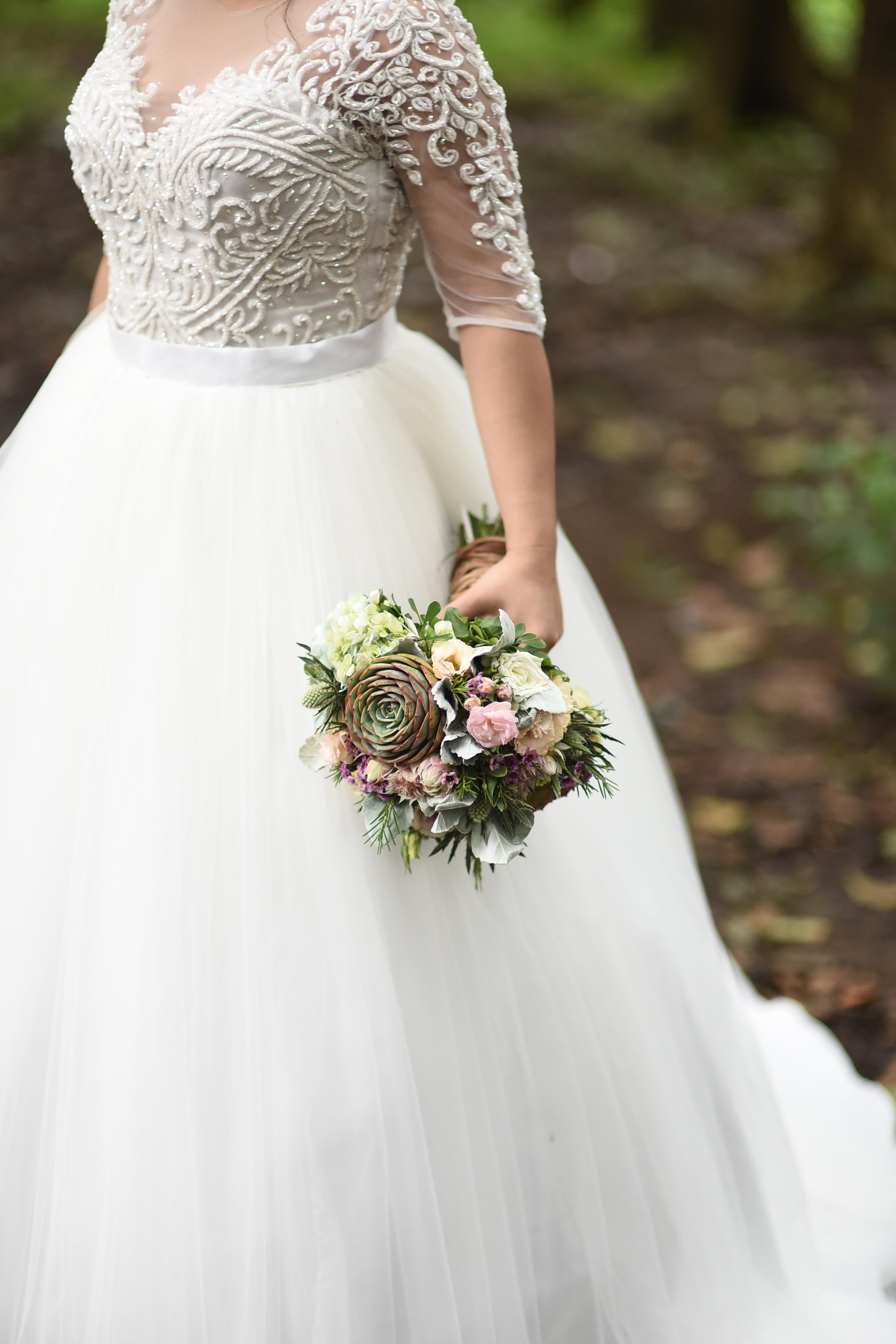 MartinCyraGiveThanks: The Rustic Garden Wedding   aymisayra